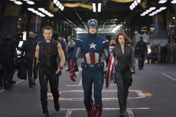 Avengers Cap Hawkeye Black Widow The Avengers Assembles Record Breaking Box Office Numbers